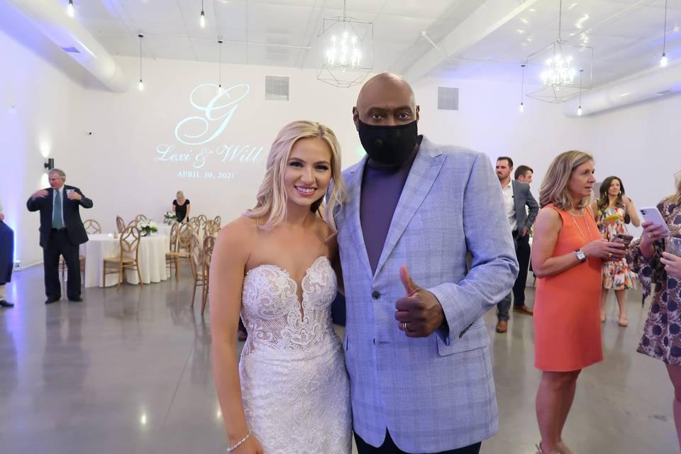 Happy Bride & DJ