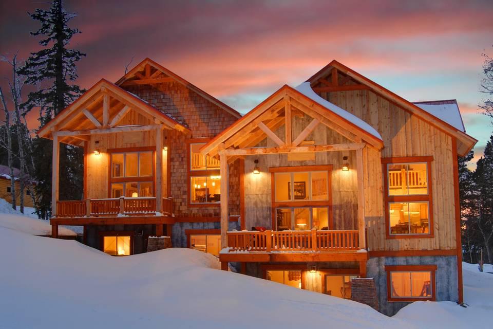 Luxurious Lodging & Venue