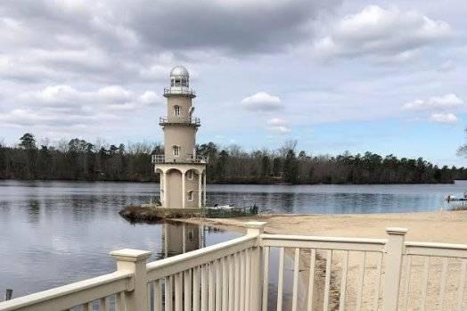 Lakeside Manor