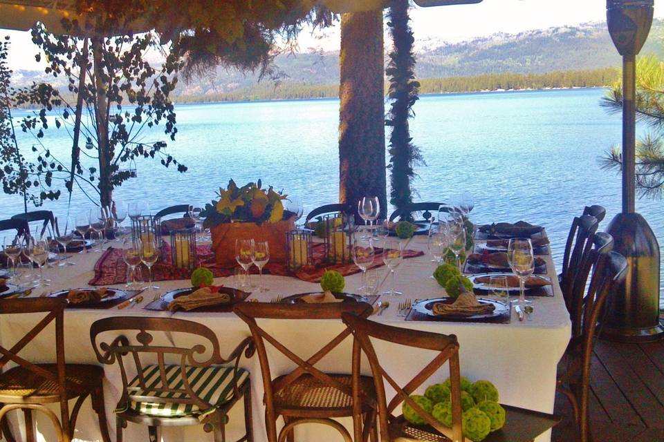 Dine above waters