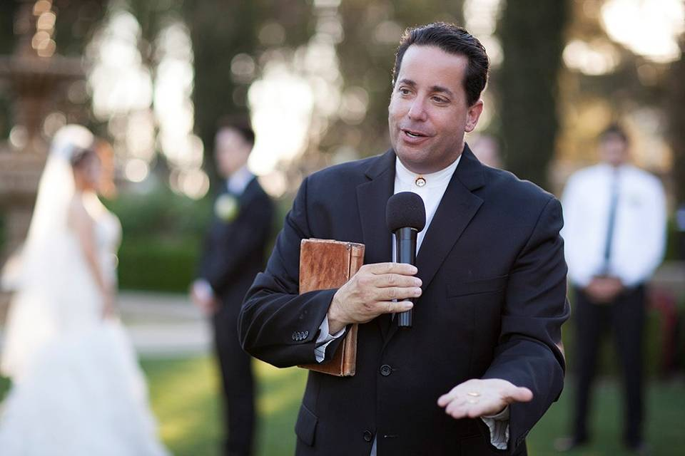 Officiant leading the wedding