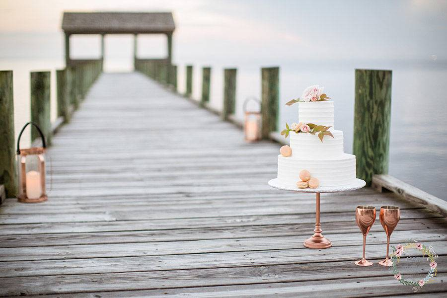 The wedding cake - Kristi Midgette Photography