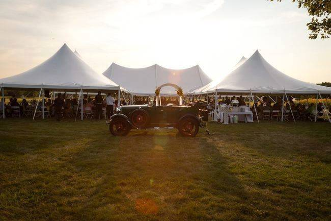 Outdoor wedding receptions
