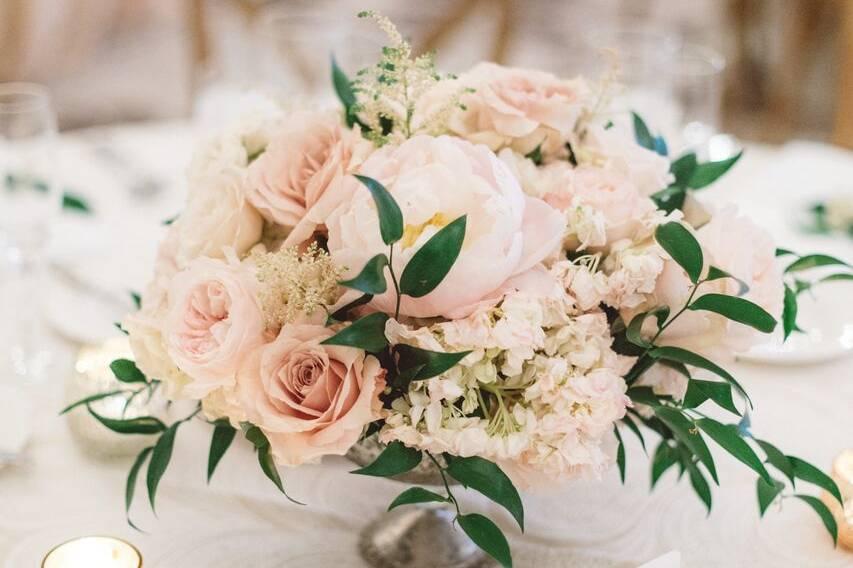 Blossoming centerpiece