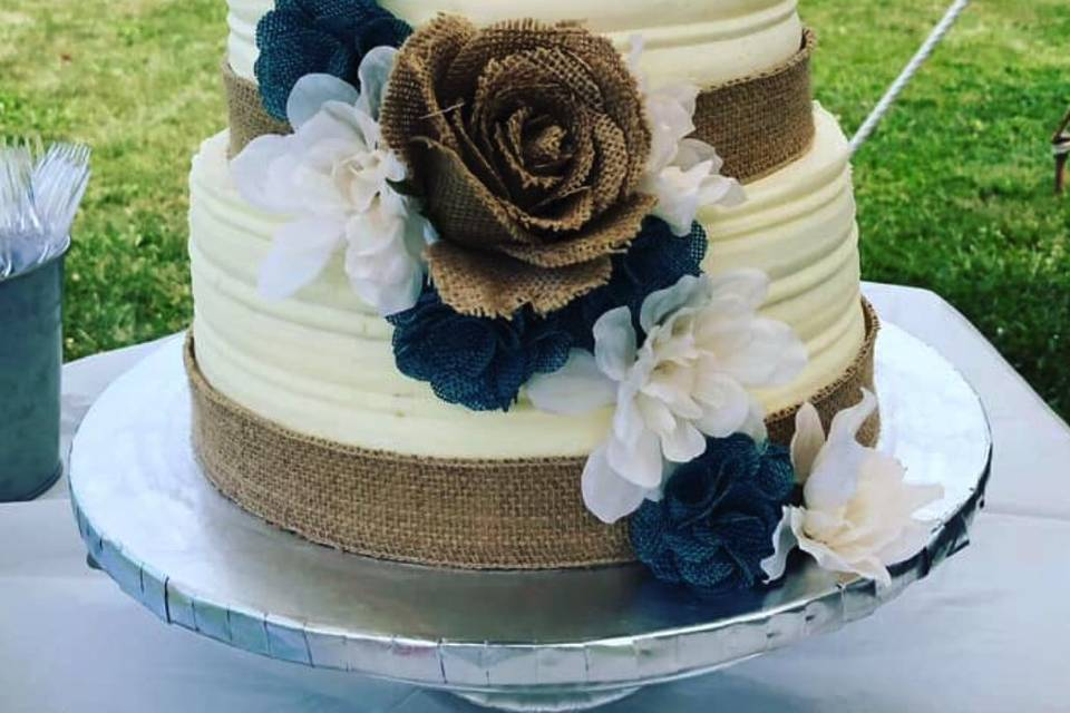 2-tier cascading floral