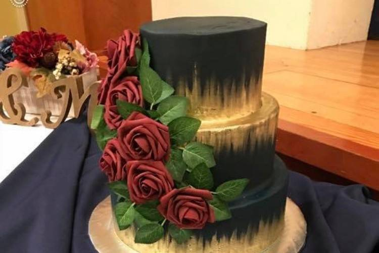 Dramatic gold and black icing