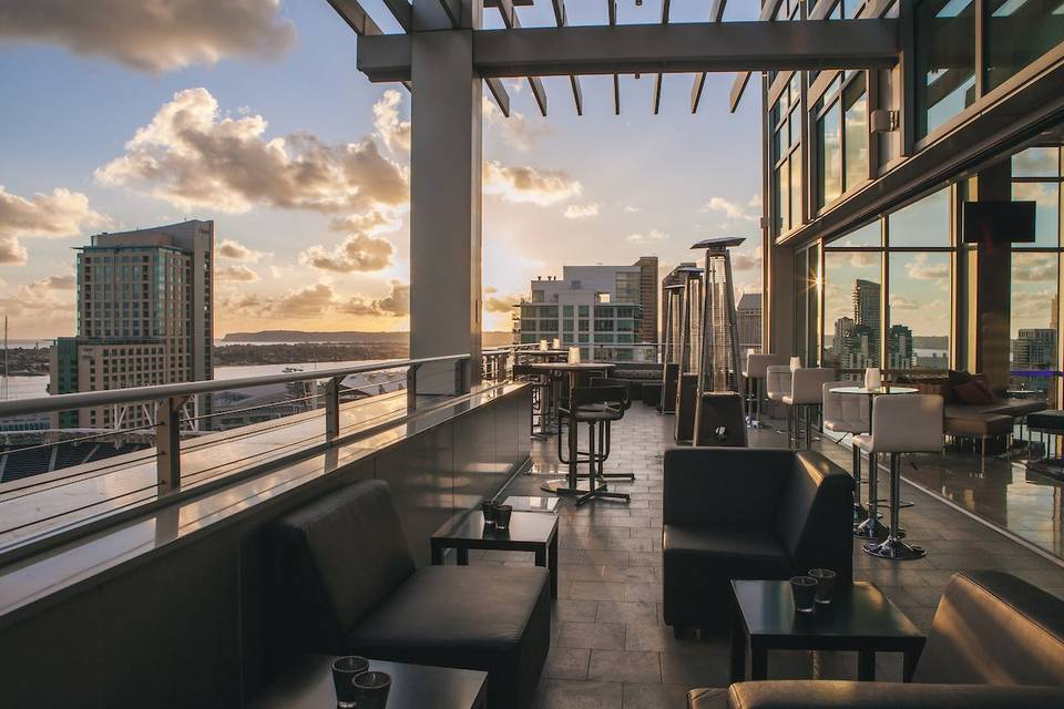 The Ultimate Skybox At Diamond View Tower