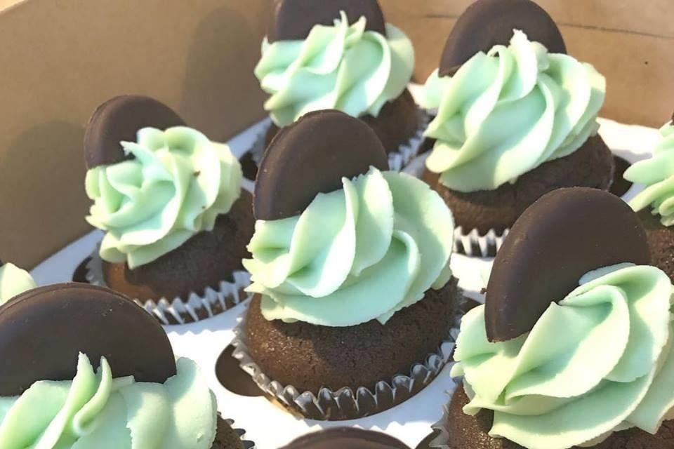 Vegan thin mint cupcakes