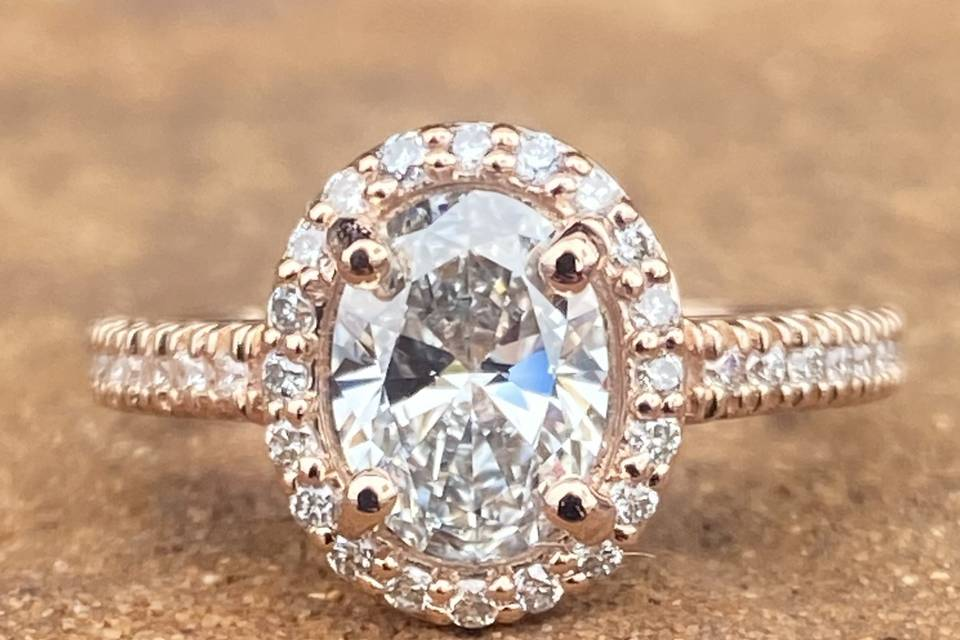 Oval Halo in Rose Gold