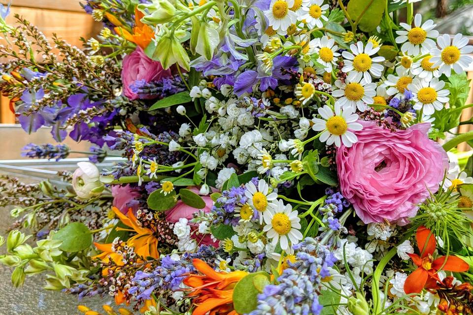 Fanciful Floral Design and Wedding Planning