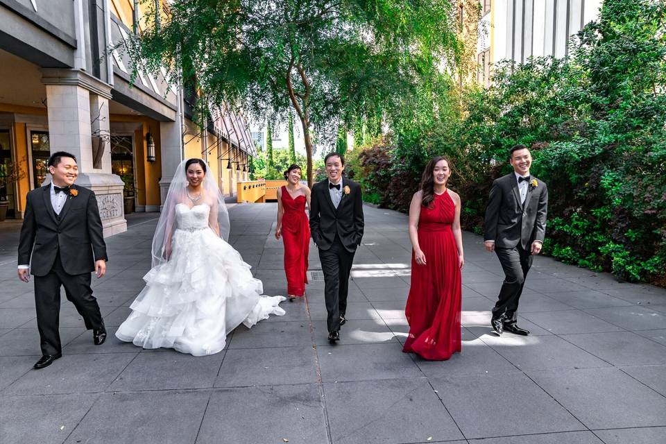 Wedding party on the move - Ivory Sky Media