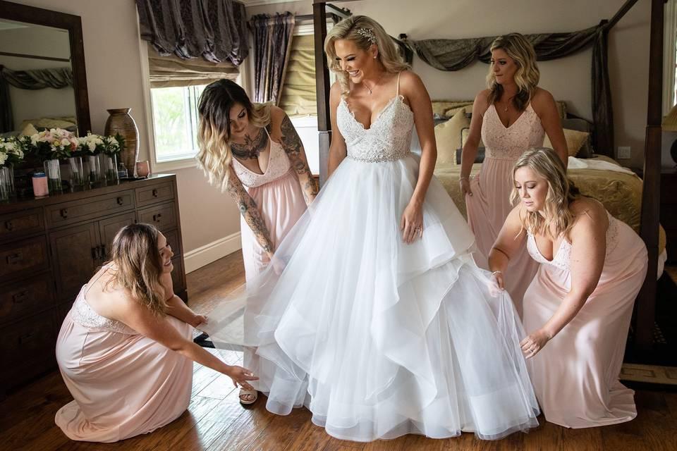 Bride getting ready - Studio Savant