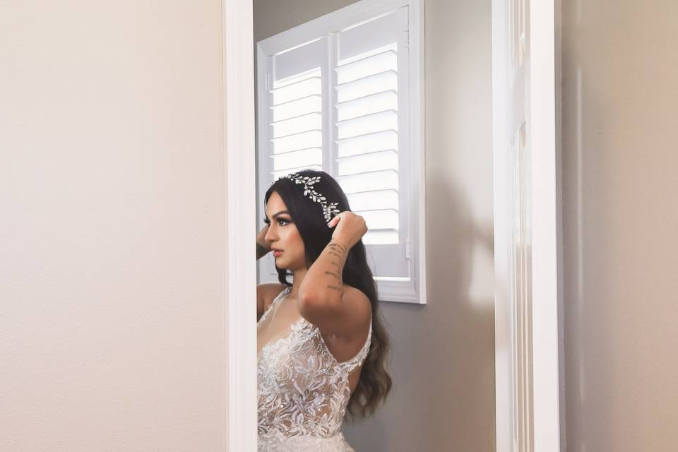 Candid photos of the bride
