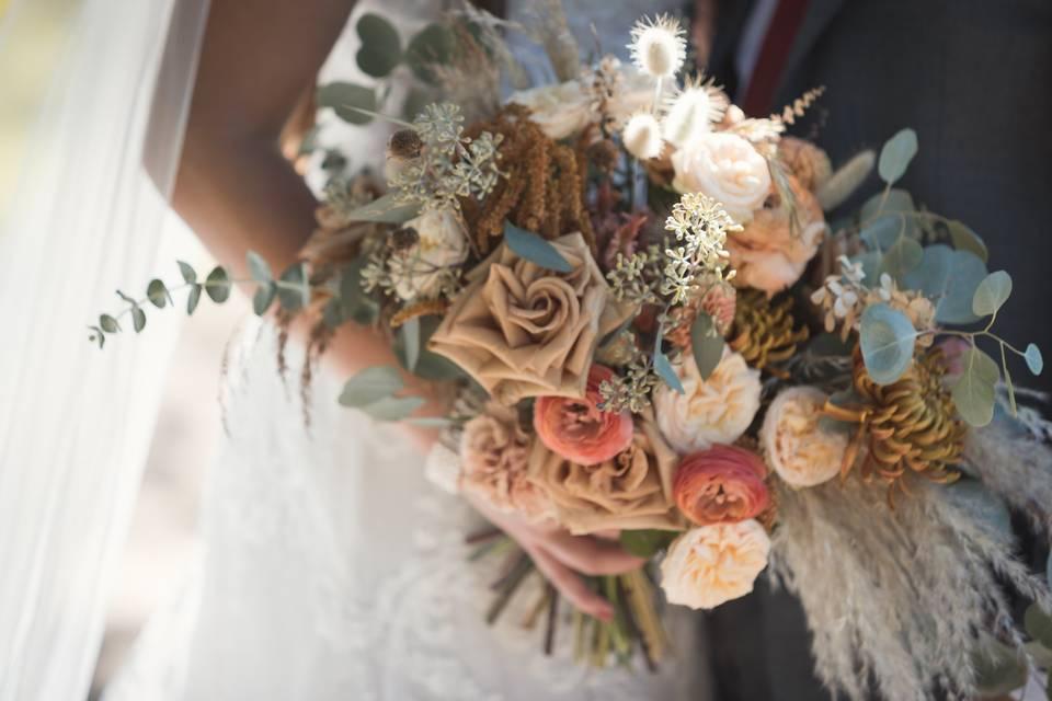 Dreamy dried flower bouquet