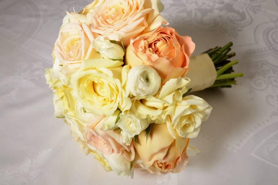 Creamy blush bouquet
