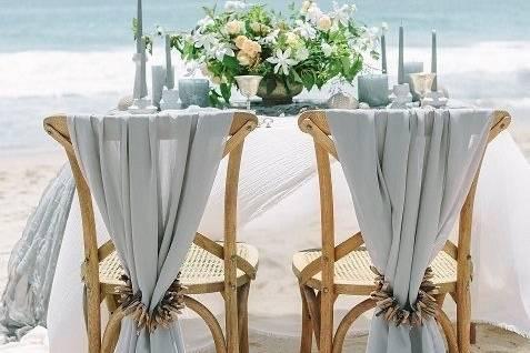 Sweetheart table on the beach