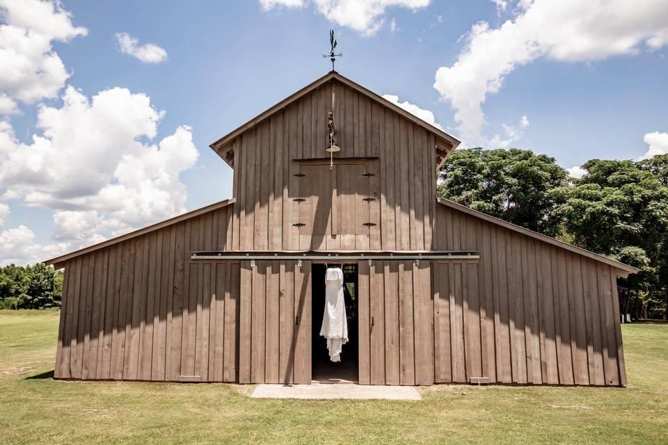Valley View Barn Wedding Venue