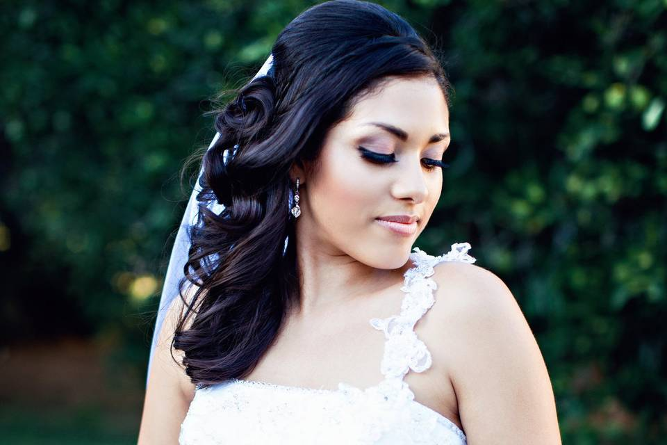 Cosmiix Artistry, LLC Makeup by Dania Blanco