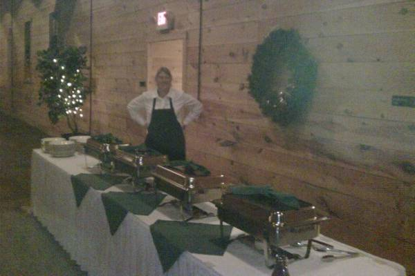 From basic buffet service to sit down dinner we offer it all!