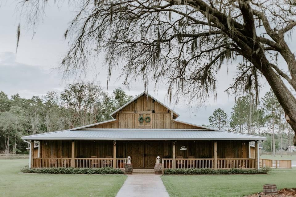 Belle Oaks Barn