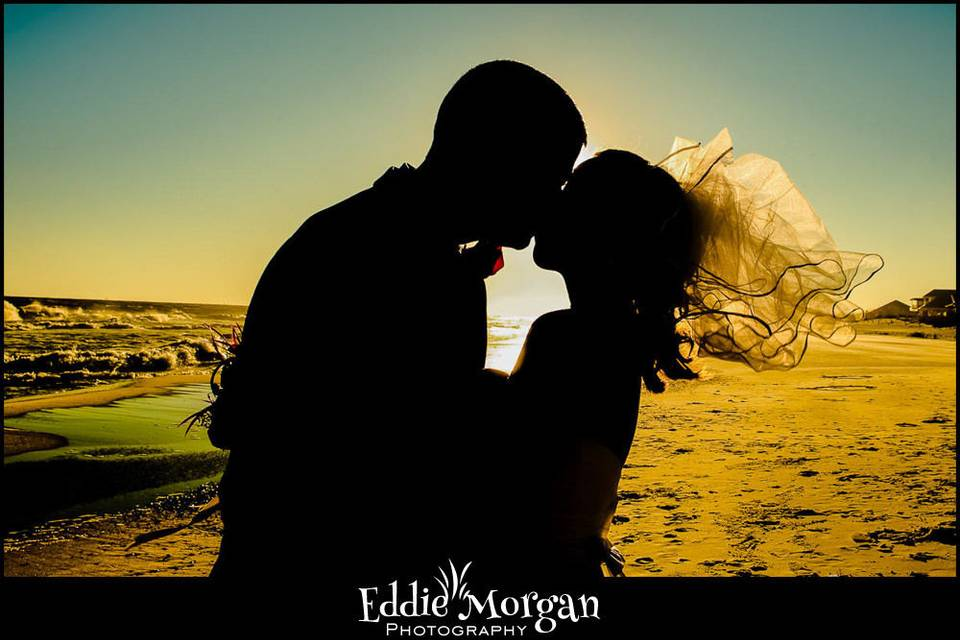 The Kiss #BeachFlorida#OrangeBeach#alabamawedding#floridawedding #gulfshoreswedding #orangebeachwedding #destinwedding #ftmorganwedding #gulfcoastwedding#gulfofmexico #beachwedding #gulfstatepark #alaparkA