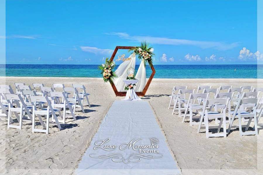 Hexagon Arch with aisle runner