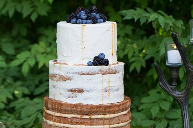 Naked blueberry cake