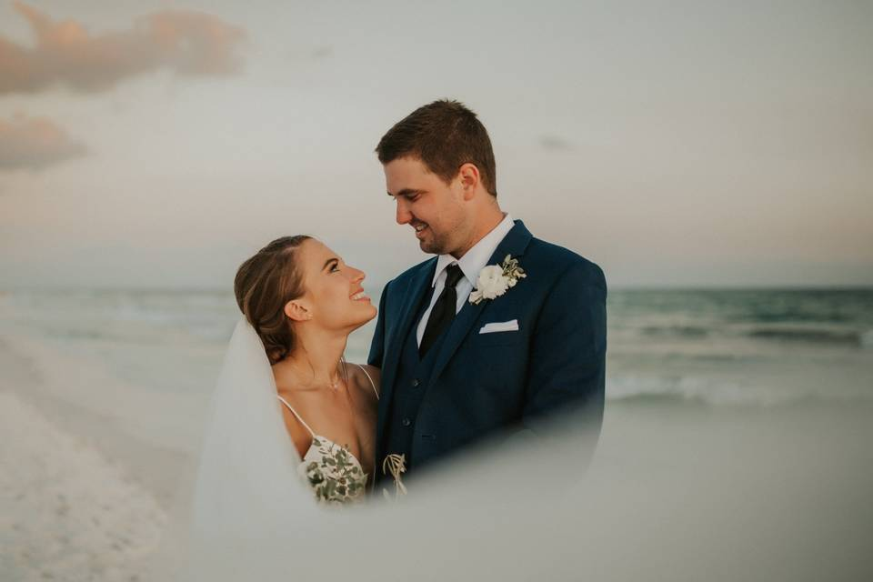 Romantic beach setting - Sarah & Paul Photography