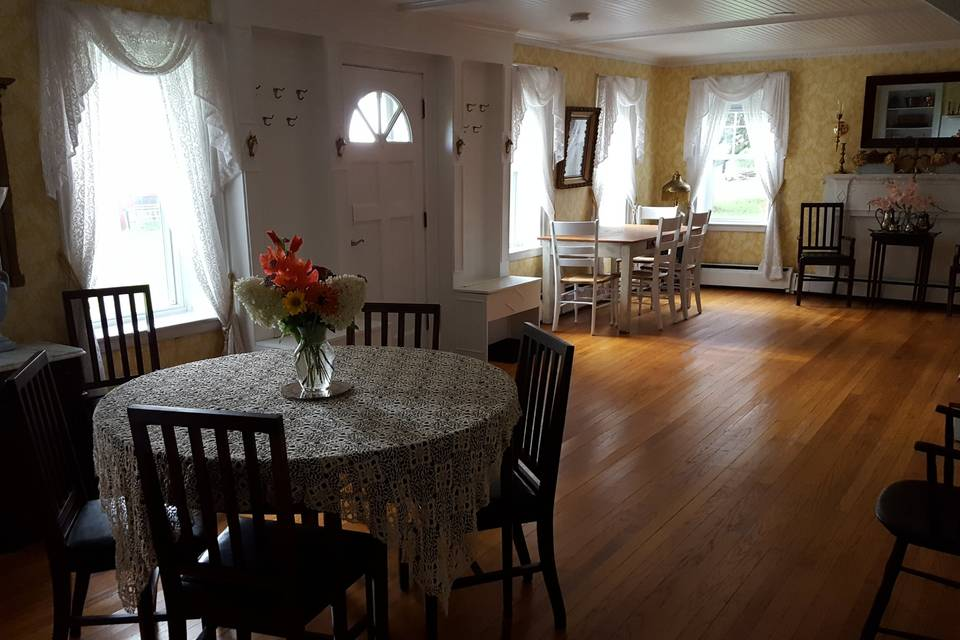 House dining options