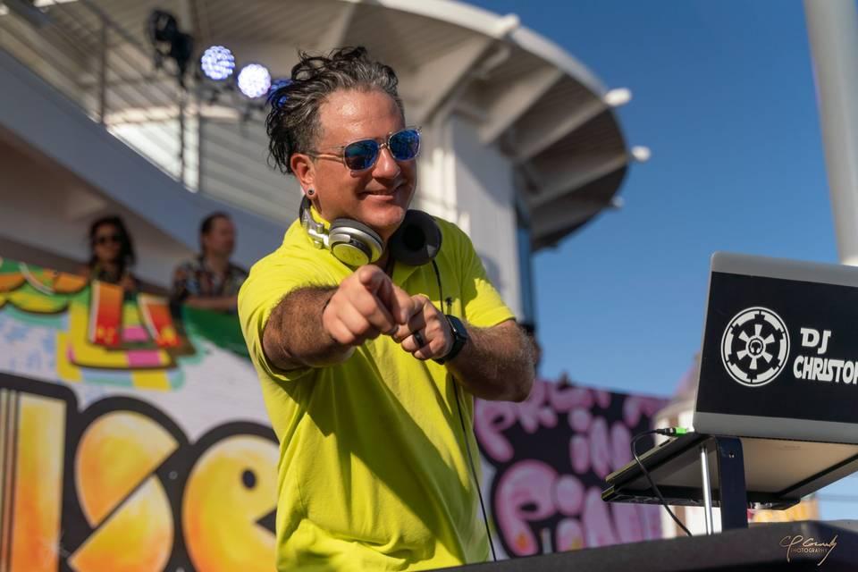 DJing 80s Cruise 2019
