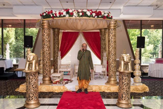 Hindu Priest Service