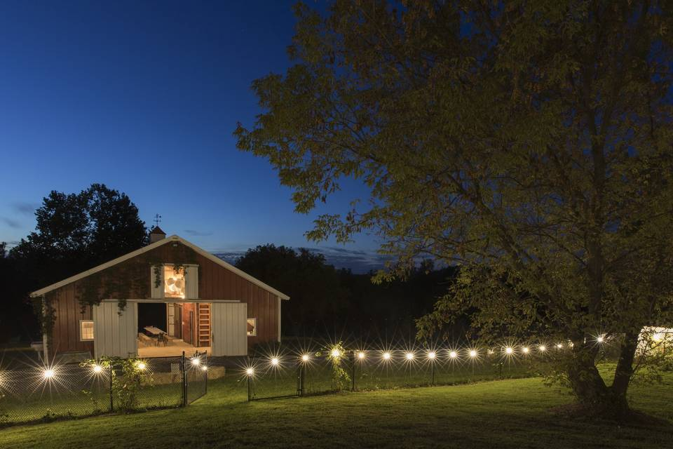 The barn by night