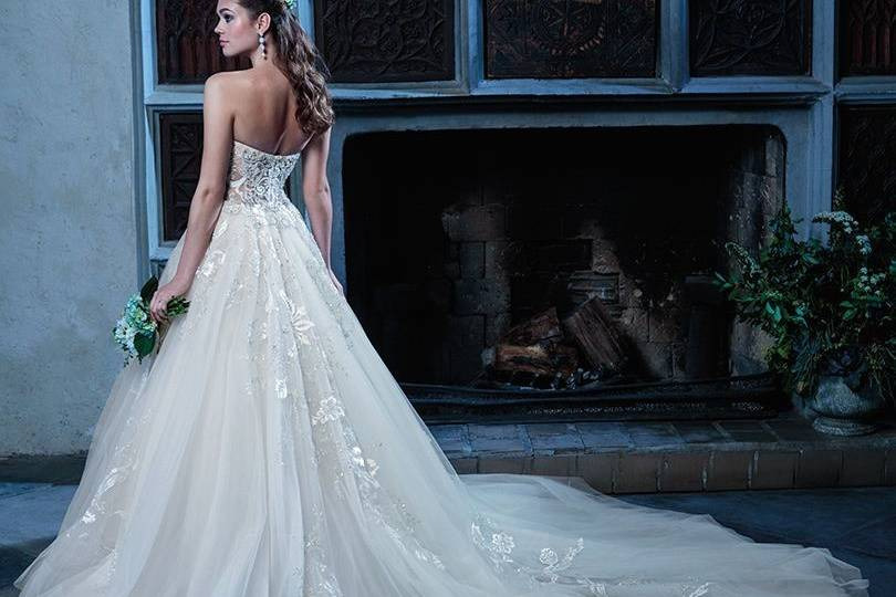 Amare dress with long train